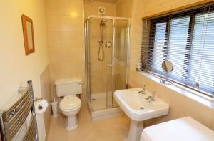 The Coach House at Neum Crag, Bathroom