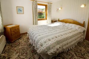 Langstrath Cottage, Chapel Stile, Double Bedroom