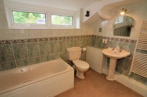 Rosegate House, Elterwater, Bathroom