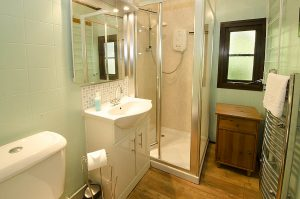 Dock Tarn Double Bathroom