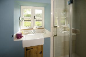 Waterside Barn Bathroom