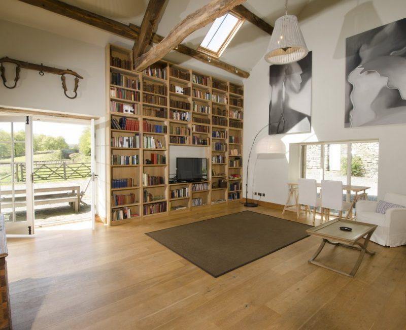 Waterside Barn Lounge