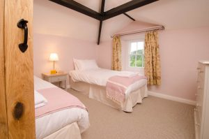 Maple Tree View Twin Bedroom