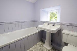 Becks Steps Main Bathroom